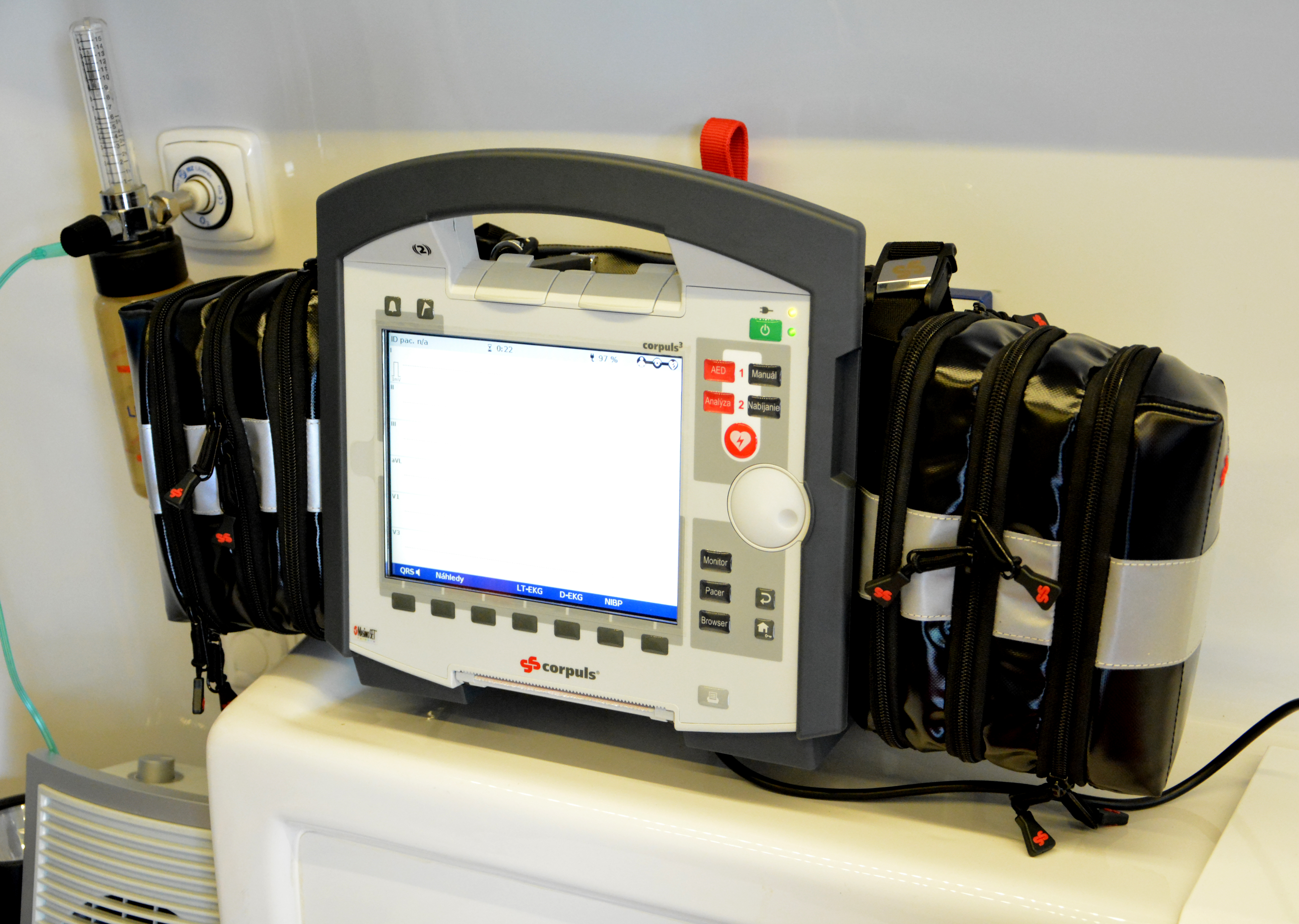 Corpuls3 - EKG monitor a defibrilátor